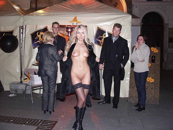 Порно секс в ночном городе — pic 9