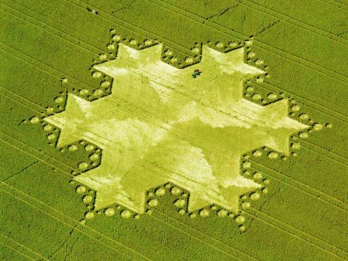 http://korzik.net/uploads/posts/1176021205_cropcircles002.jpg