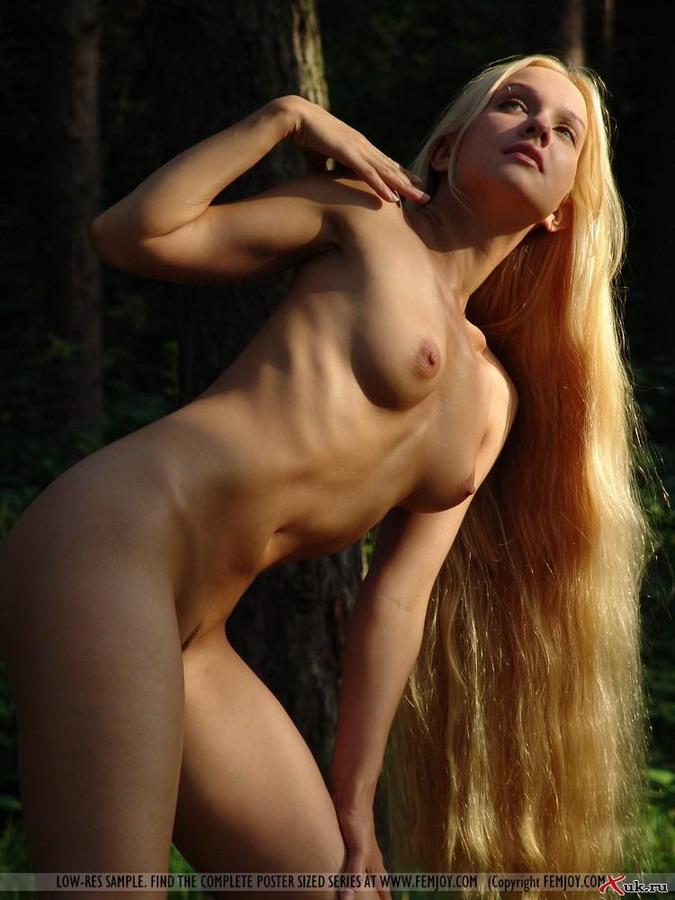 Длинные голые девки