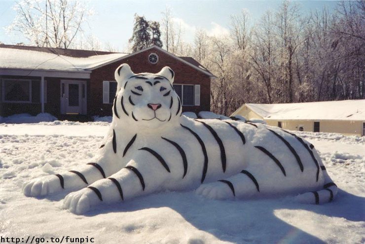 figuras de hielo y nieve :) 1196161267_snowman_25