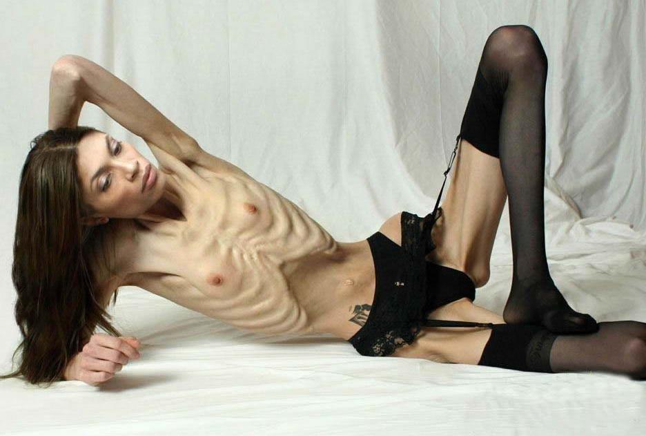 La mujer mas flaca !!! XD  Photoshop ? 