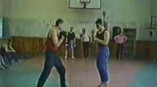 Каратист против боксера