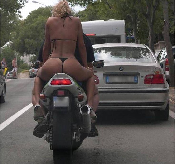 Секс Видео - На улице