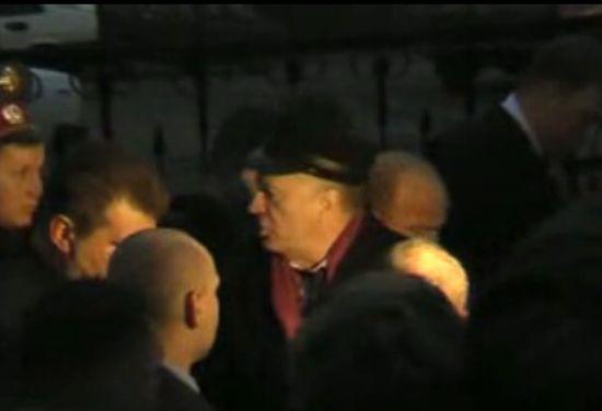 Жириновский наводит порядок :)