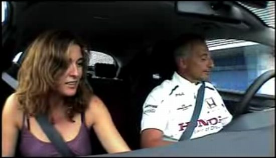 Бывший гонщик F1 Рикардо Патрезе взял на тест-драйв жену
