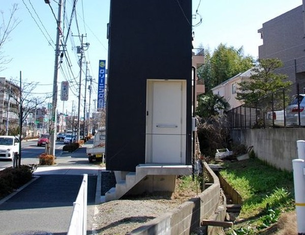 Странный дом в Токио