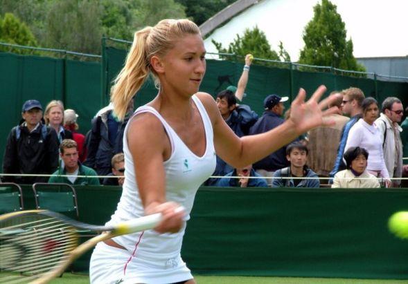 Девушки-тенисистки