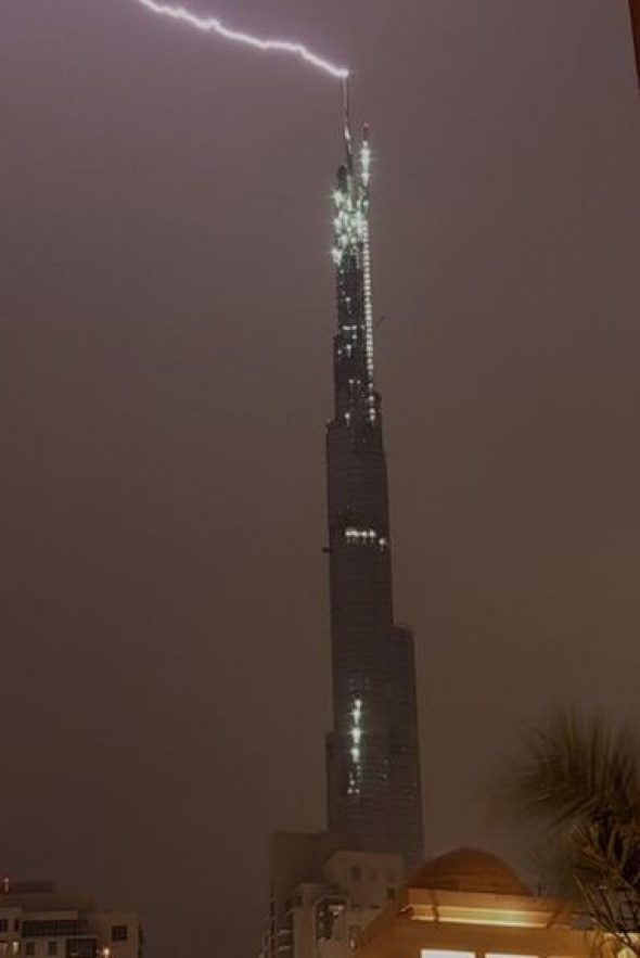 Дубайская гроза