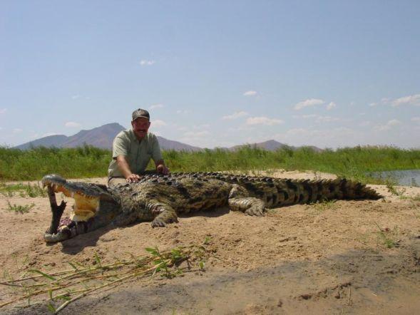 Кого нашли в животе крокодила. ЖЕСТЬ!