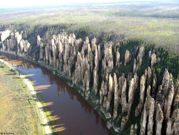"""Каменный лес"" на реке Лена"