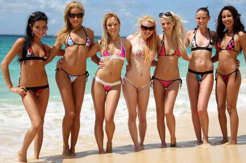 Фото групп голых девок на пляже164