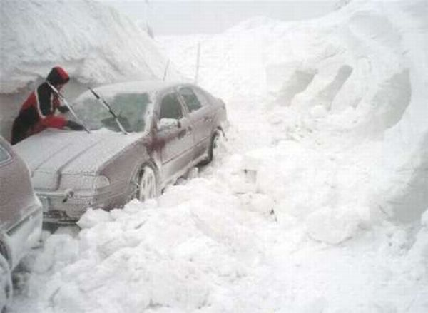 Снежок выпал хорошо где-то...