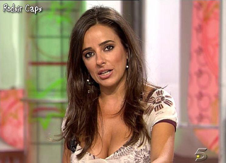 откровенные фото испанских телеведущих шавров