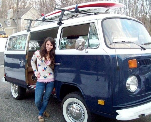 Студентка выиграла VW bus с помощью одной фотографии