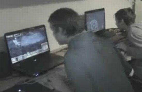 Пацаны играют в Warcraft