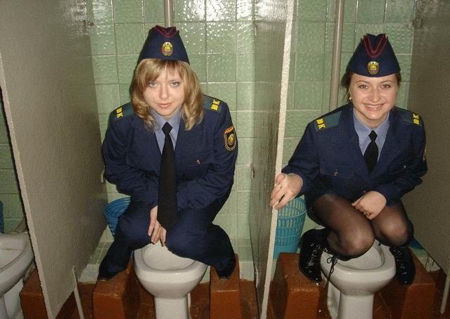 trahnuli-sotrudnitsu-russkoy-politsii