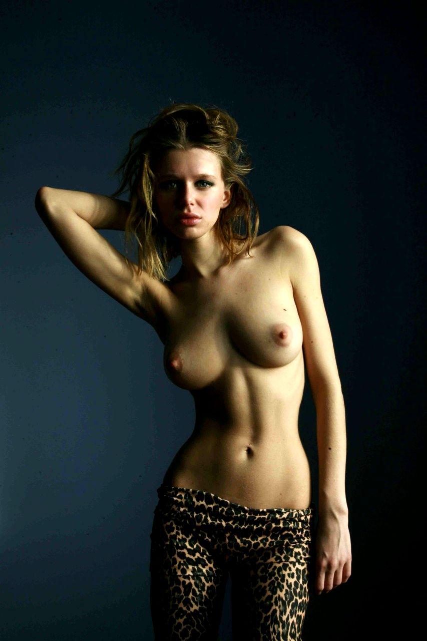 Голые русские актрисы фото, трахают в горло сашу грей