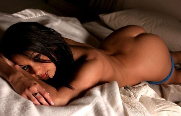 Фото голых женщин в постеле