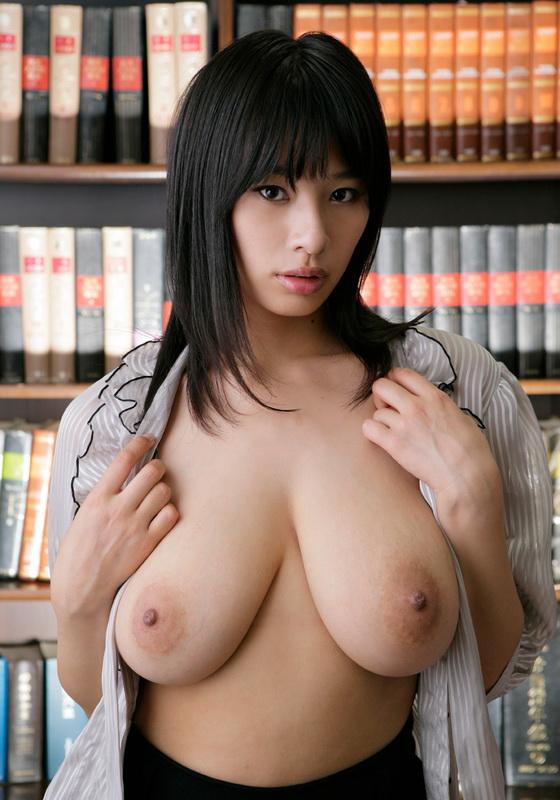 голые японские женщины с большой грудью фото