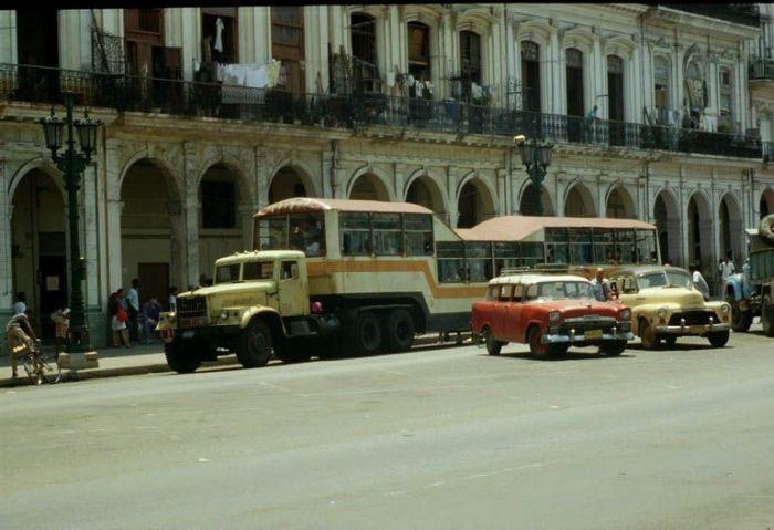 Русские автобусы на кубе фото