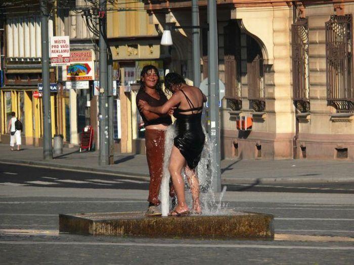 девушки на улицах праги