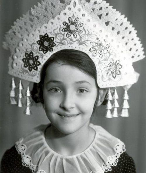 Угадайте, чья эта детская фотография?