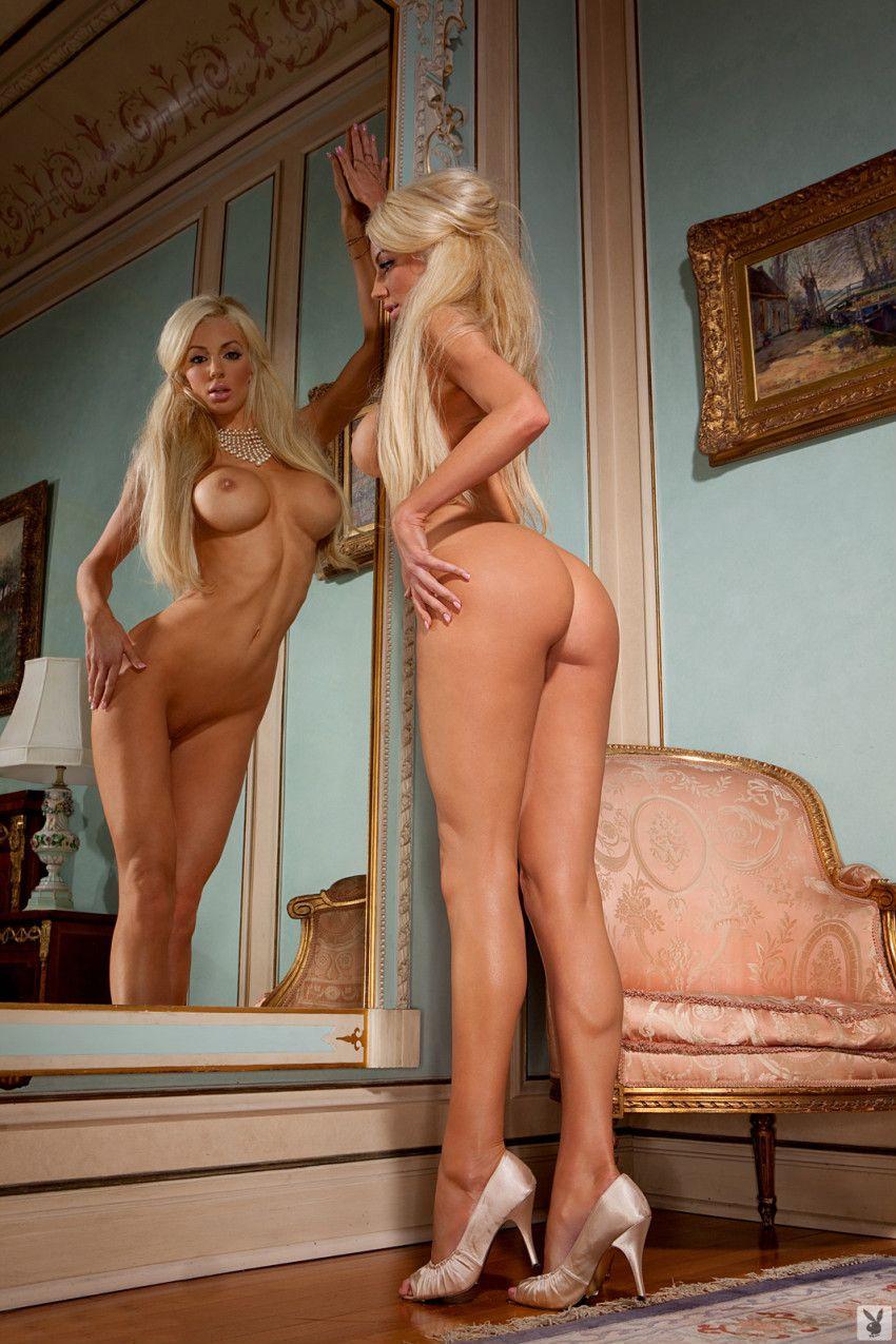 Фото сексуальных длинноногих голых блондинок