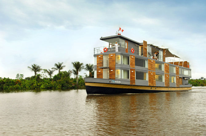 Hotel de cinco estrelas flutuante na Amazônia