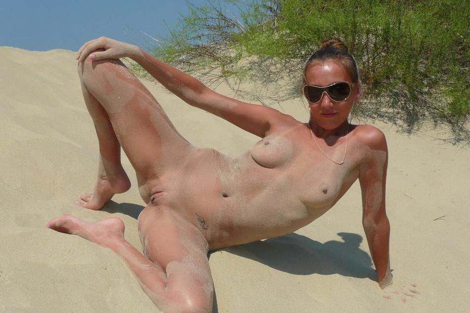 Бесплатное порно фото на пляже.