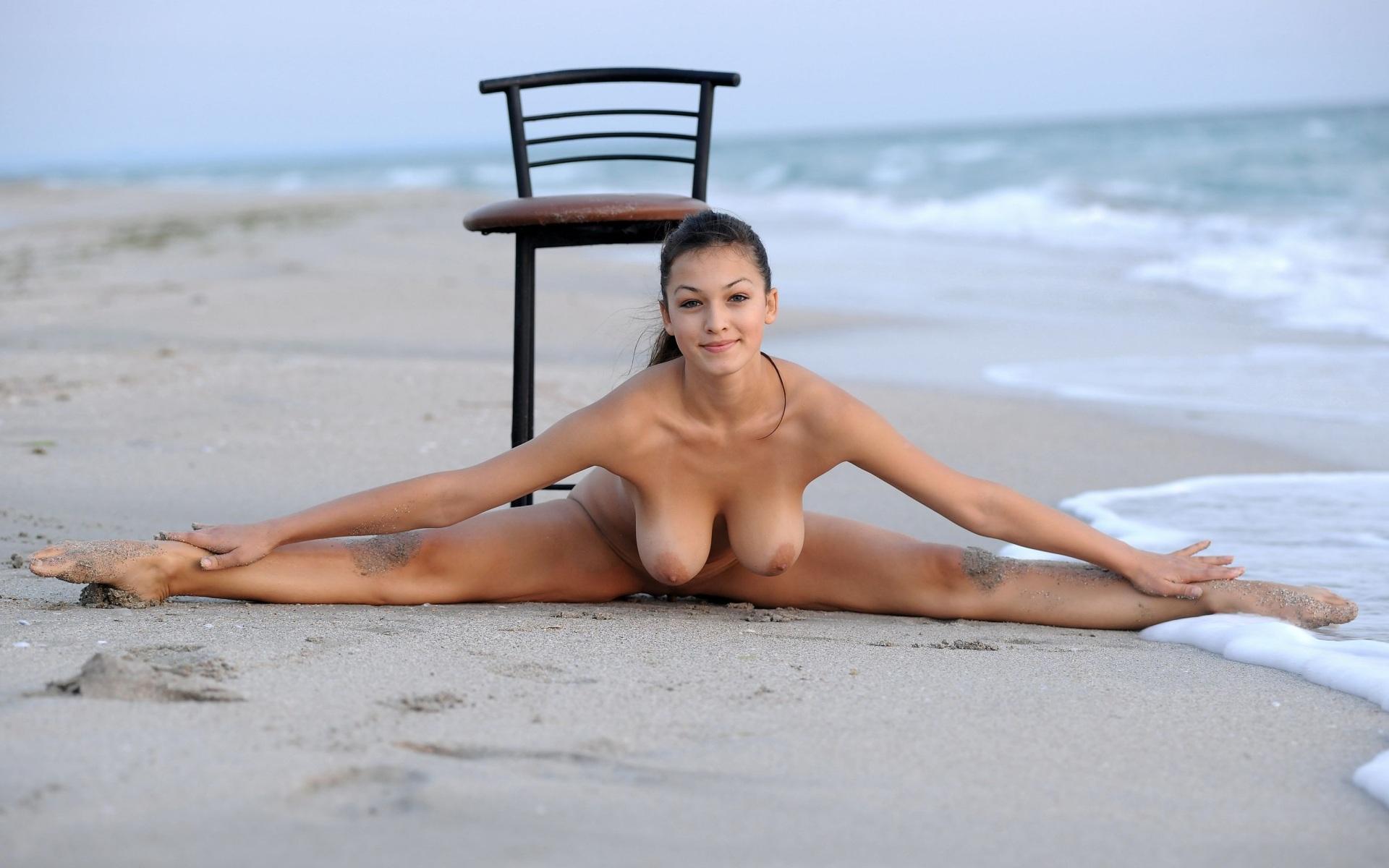 Эротика на пляже для женщин 12 фотография
