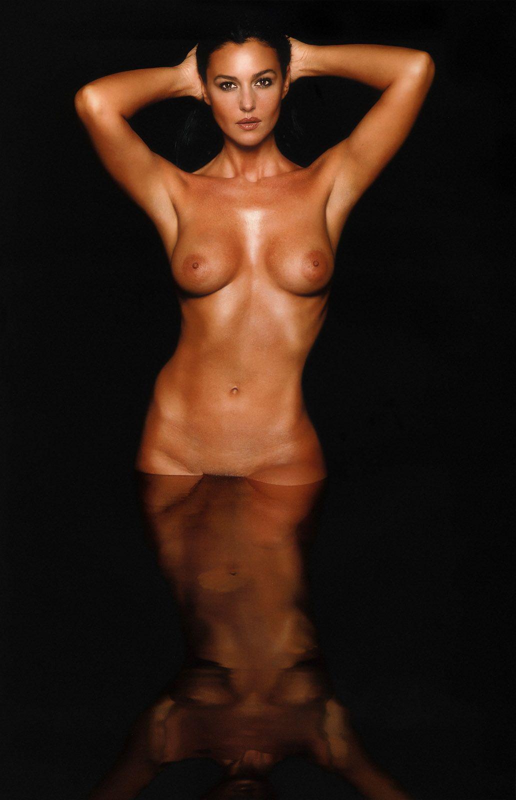 Эротичноя огромная грудь мамы друга читать 6 фотография