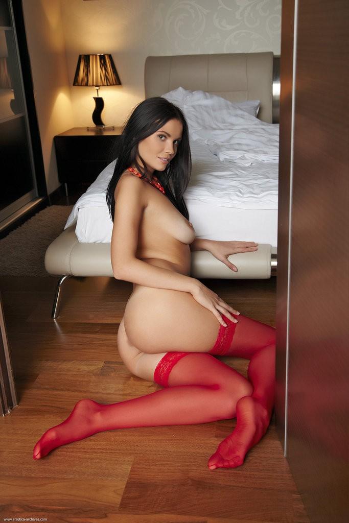 шлюхи в красном фотографии в хорошем качестве ролики подобраны