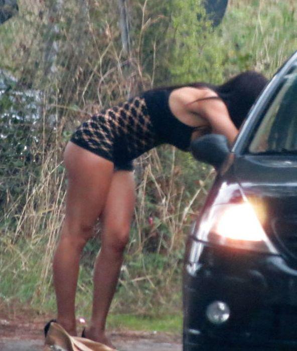 Плечевую проститутку снять проститутки сильвестра