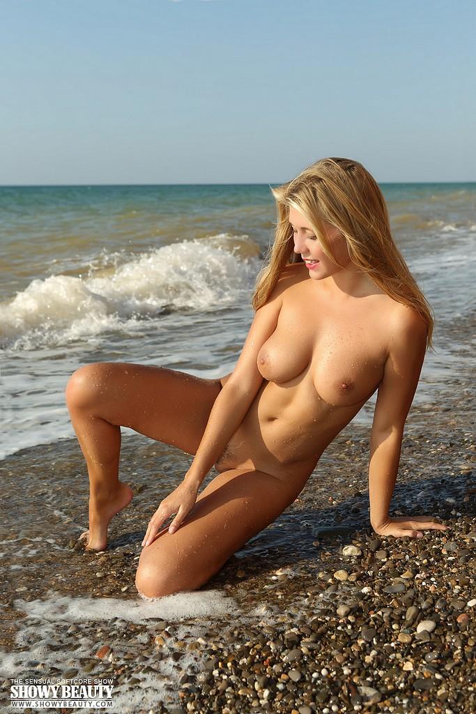 девки голые на море валерия - 4
