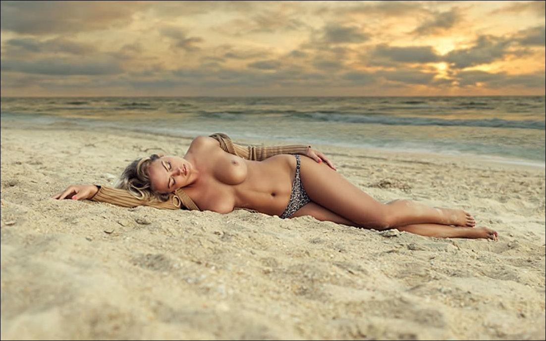 lesbiyanok-zad-more-erotika-video-hd-zvezda