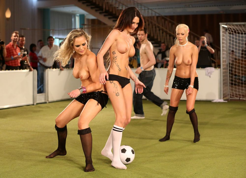 naked-pics-of-women-in-footballers-wives