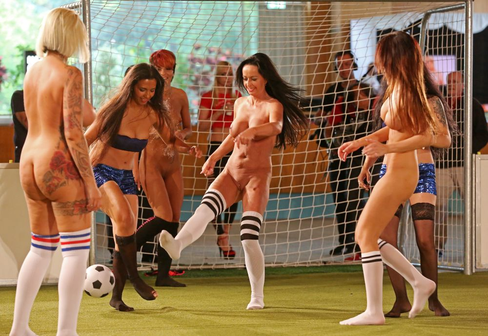 Women's world soccer team nude