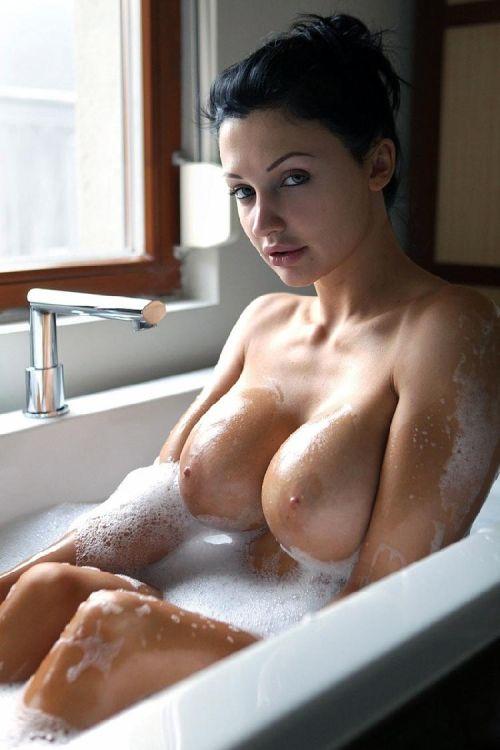 job-porn-girl-in-bathroom-naked-boobs-sex