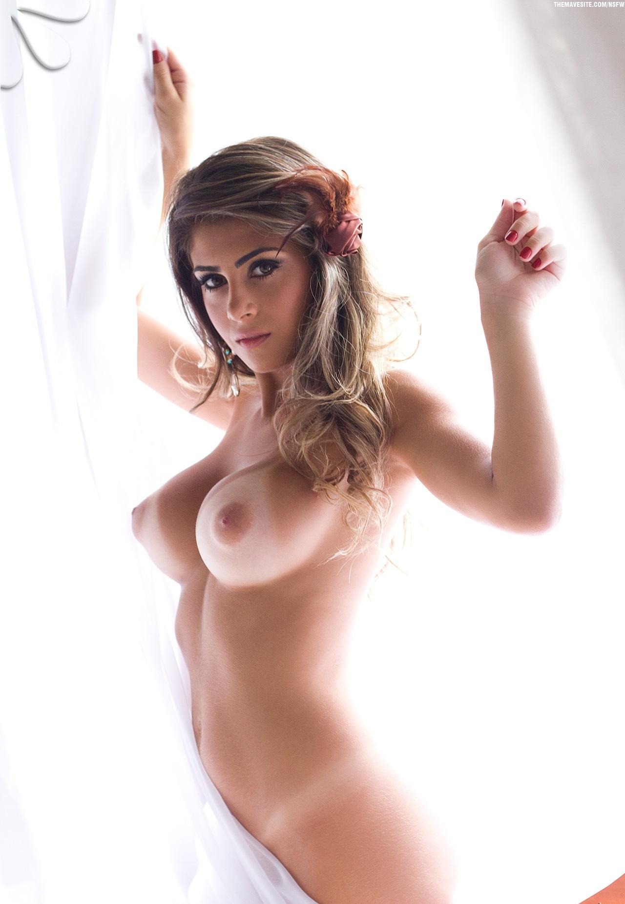 Стоячие груди моделей 9 фотография