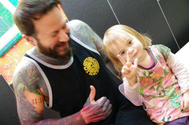 Если доверить ребенку тату-машинку