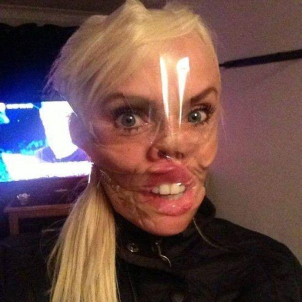 Нет маски на Хеллуин? Купи скотч!