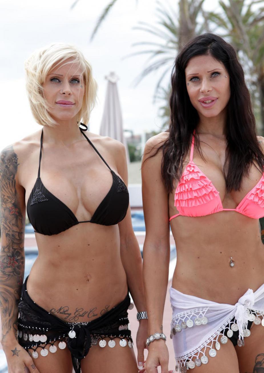 Шведские близняшки сделали пластическую операцию