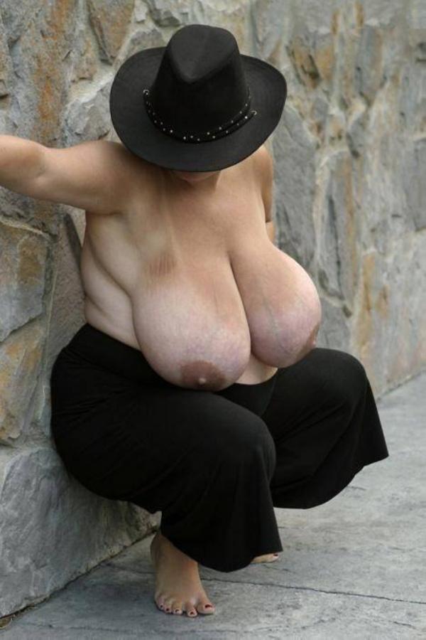 Skinny girl whit huge boobs