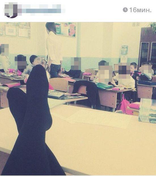 Неприличные фото практикантки педагогического колледжа на фоне учеников стали причиной нового скандала