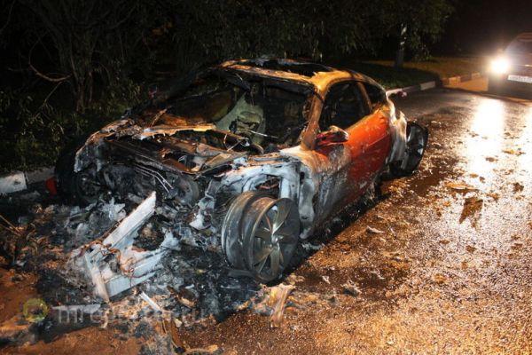 В Бирюлево сгорел Ferrari