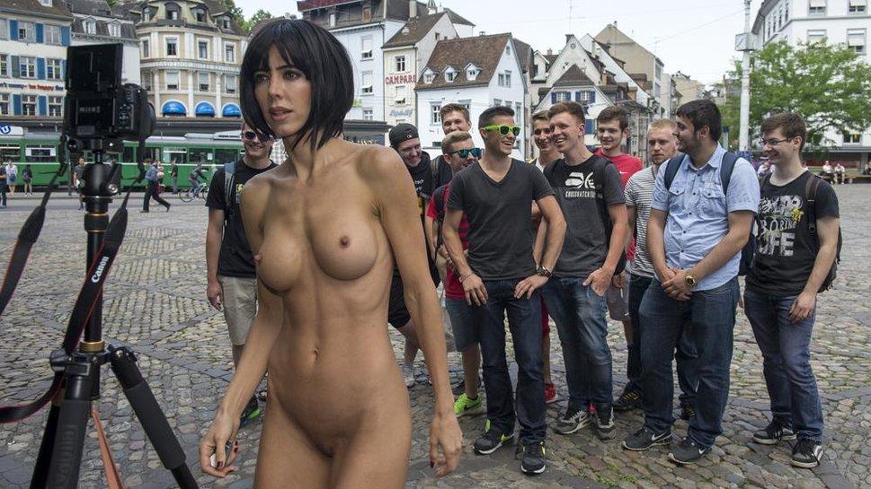 Рыжая пизда голые девчонки в музее порно самый лучший
