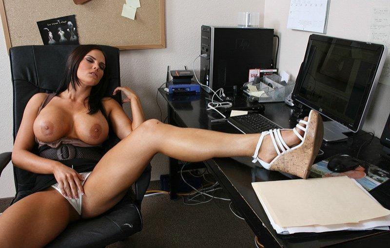 Директриса ласкает свою киску в кабинете, смотреть порно лучшее в мире в пизду