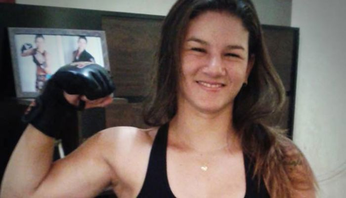 Профессиональный боец MMA Моник Бастос обезвредила грабителей