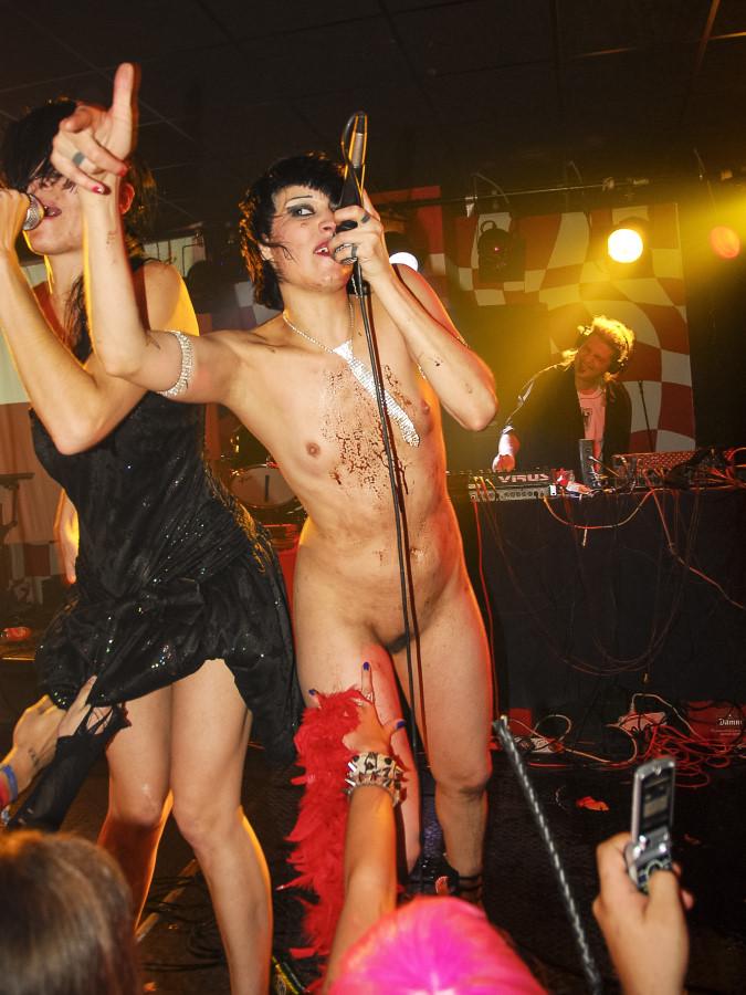 Teen fuck free nude pics of female rock stars
