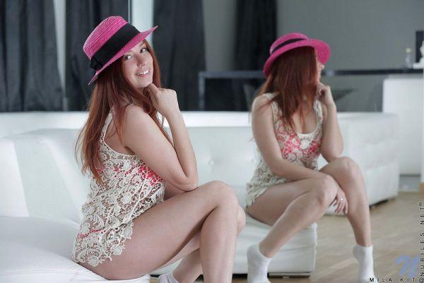 Розовая шляпка и ее хозяйка